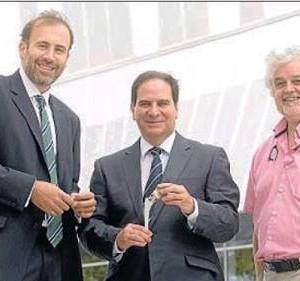 En la foto de izquierda a derecha Albert Broch, Felipe Delgado López, Antoni Salvador.