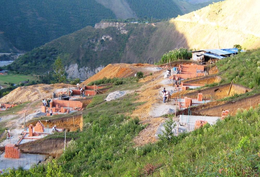 Plan de reubicación de vivienda en el Municipio de Páez, obra ejecutada por la Corporación de Reconstrucción Nasa Kiwe.