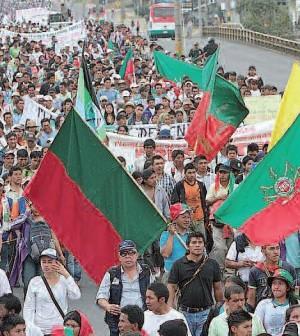 Marcha indígena entrando a la ciudad de Popyán