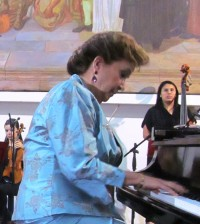 El debut de la pianista Mildred Jaramillo de Zambrano