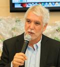 Enrique Peñalosa en campaña
