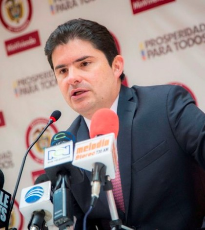 Ministro de Vivienda, Ciudad y Territorio, Luis Felipe Henao Cardona.