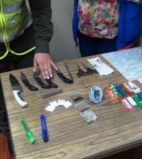 Sustancias psicoactivas, armas blancas y un cartucho para fusil, encontró la Policía Metropolitana de Popayán en algunos colegios de la ciudad.