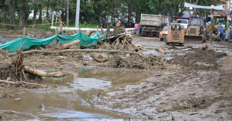 El estudio encontró que la extracción de arena y grava en el sector de Pueblillo ha ido variando el curso del río Molino, con gran riesgo de avalanchas, como sucedió en diciembre de 2013.