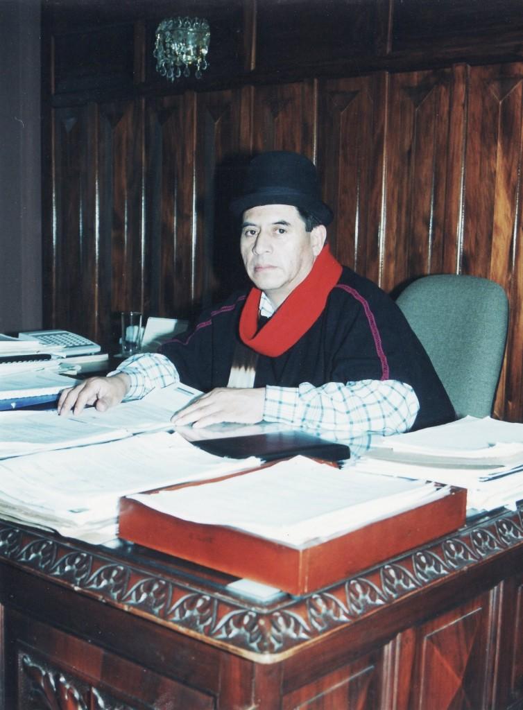 En las elecciones del año 2.000 se dio en el Cauca el voto castigo, que llevó a la Gobernación al taita Floro Alberto Tunubalá Paja, por abrumadora mayoría, derrotando a la maquinaria oficial de la época.