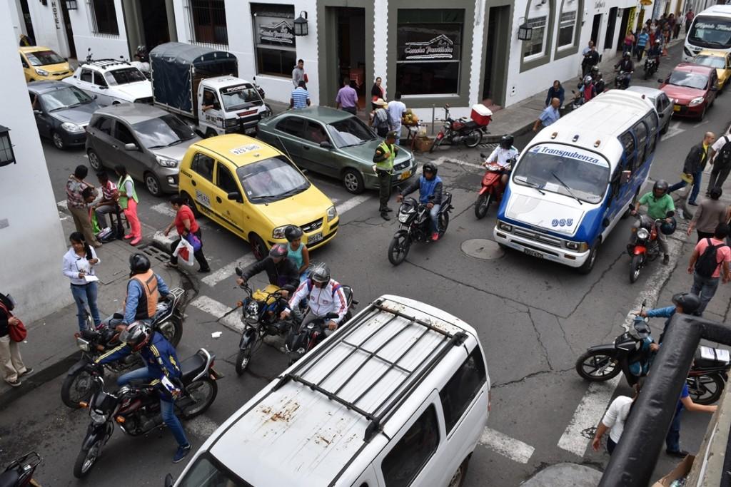 Congestión vehicular en el centro de Popayán, en donde también se producen a diario accidentes de tránsito.