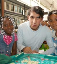 Al centro Jaír Eduardo Manzano