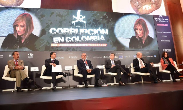 En el foro 'Corrupción en Colombia: la peor forma de violencia', el presidente Santos anunció un paquete de nuevas medidas contra ese flagelo.