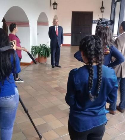 Comarca estudiantes con Humberto de la calle