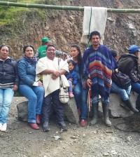 Dario Tote y otros indígenas