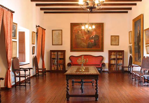 Una de las salas del museo Nacional Guillermo Valencia, que fuera la residencia del poeta payanés.