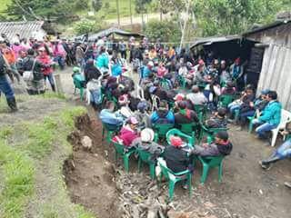La comunidad indígena Kokonuco, en cada acto de presión al Gobierno, bloquea la servidumbre y vía de acceso a las termales de Aguatibia.