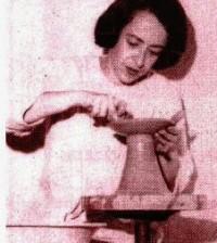 Luz Valencia de Uruburu, gran ceramista.
