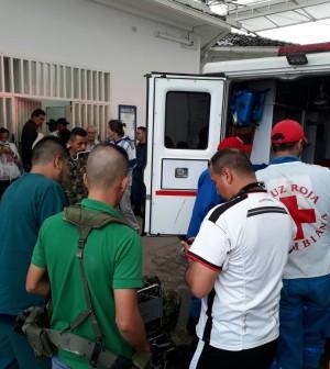 Ambulancia con pacientes al San José