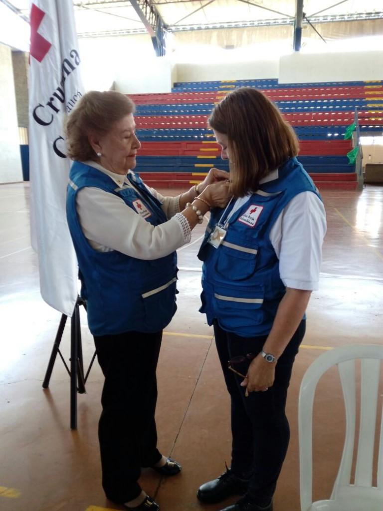 La vicepresidenta de la Cruz Roja Colombiana, Fabiola Villegas, hizo entrega de la Orden al Mérito en la categoría de Gran Oficial, a la Seccional Cauca en sus 50 años.