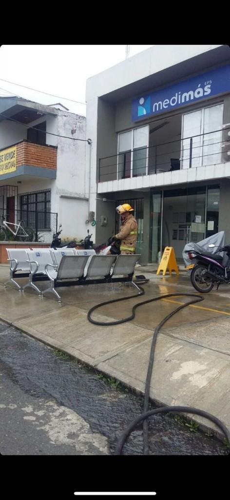 El Cuerpo de Bomberos Voluntarios de Popayán adelantó el proceso de control de material combustible.
