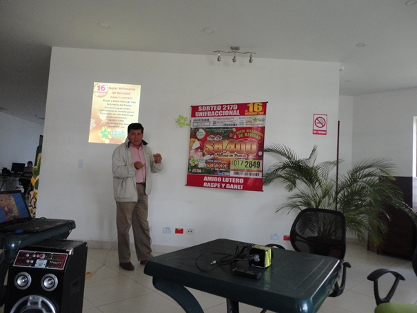 El gerente de la Lotería del Cauca, Miguel Eduardo Muñoz Guevara, en el lanzamiento del sorteo Unifraccional que juega este 16 de diciembre.